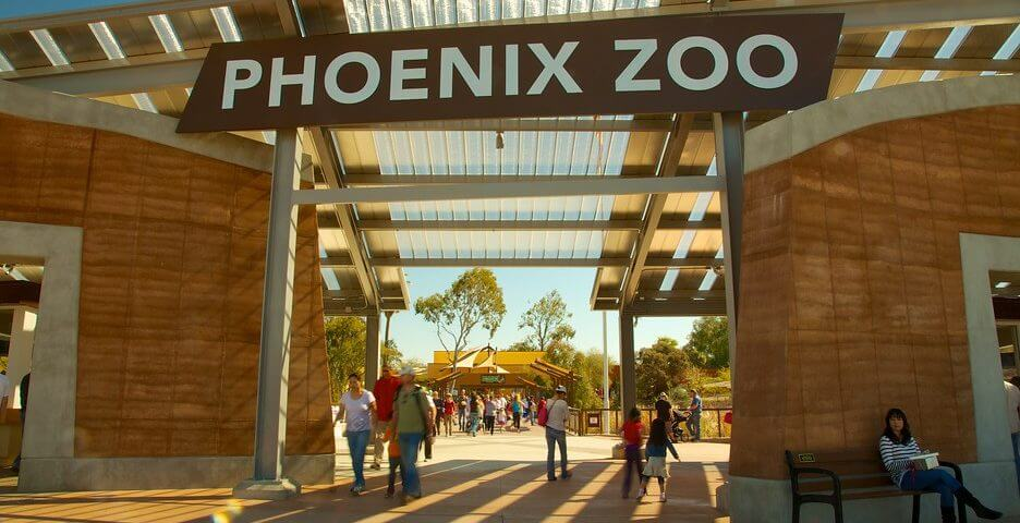 The entrance sign of the Phoenix Zoo.