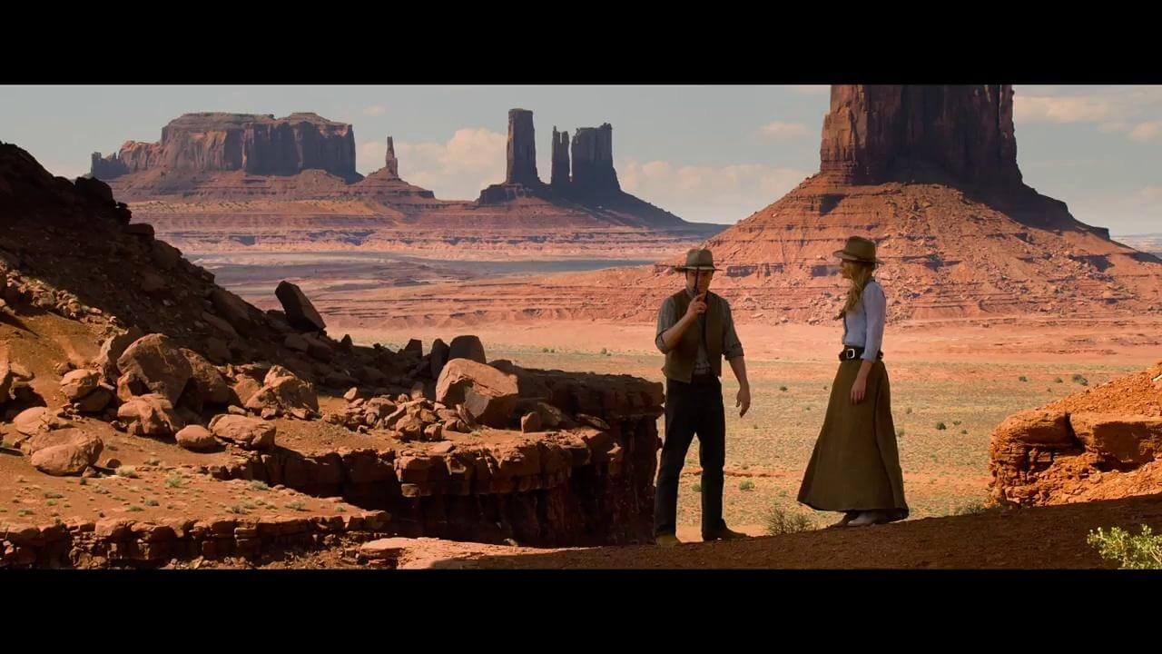 A still of Seth McFarlane in A Million Ways to Die in the West.