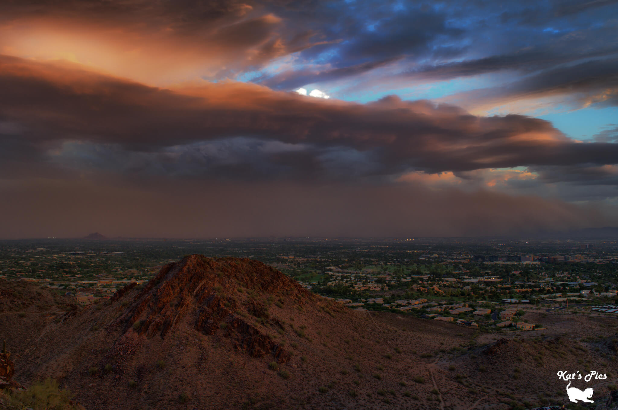 A dust storm brewing above South Mountain in Phoenix. Arizona. Flickr User Katheryn Navas