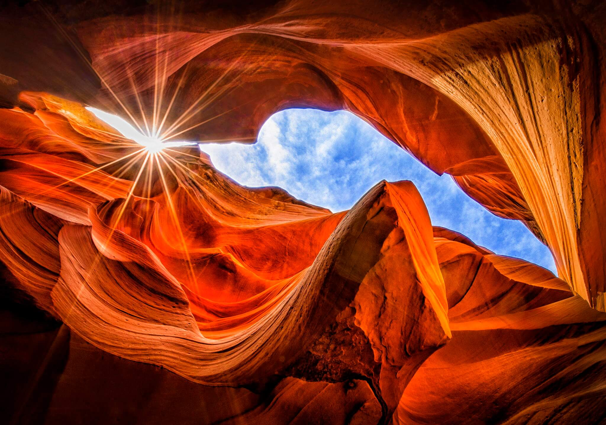 Images of Antelope Canyon like this are hard to get because it's deep inside the canyon. vse-krugom.ru