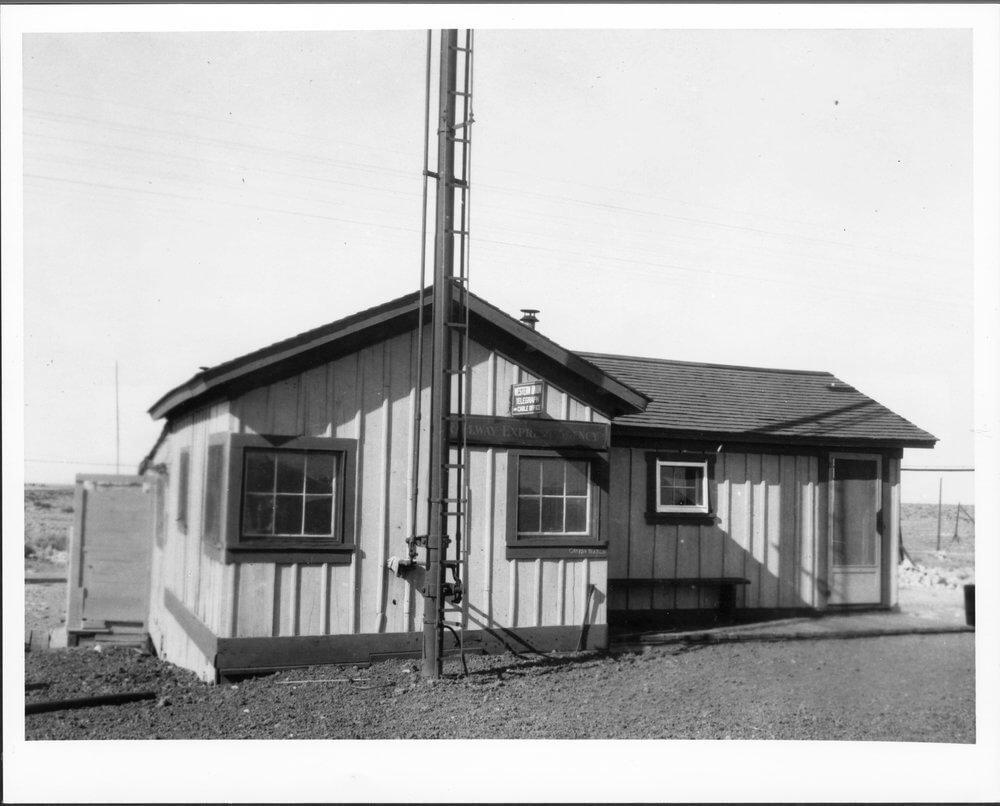 img.kansasmemory.org Atchison, Topeka & Santa Fe Railway Company depot, built in 1882.