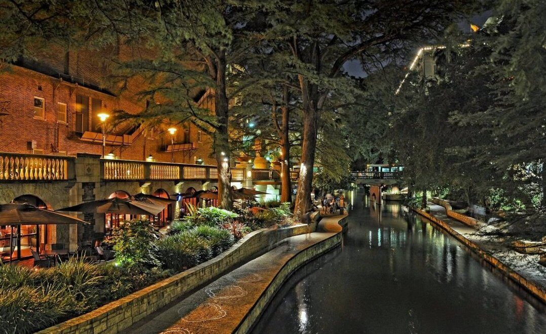 Why You Simply Must Experience San Antonio's Majestic River Walk!