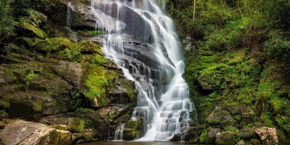 http://mountainstoseaworkshops.com/waterfalls