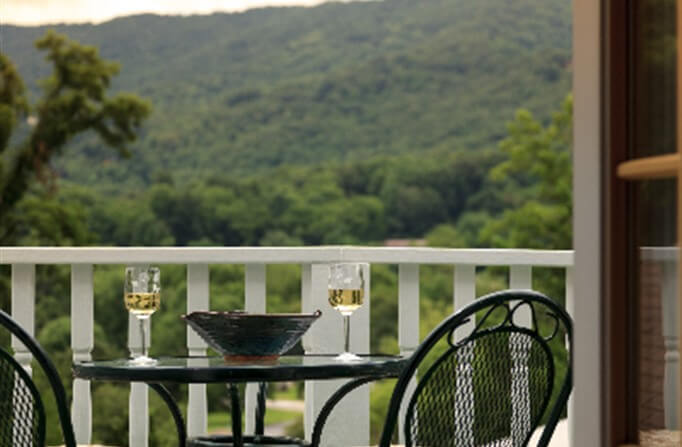 http://www.bedandbreakfast.com/north-carolina-waynesville