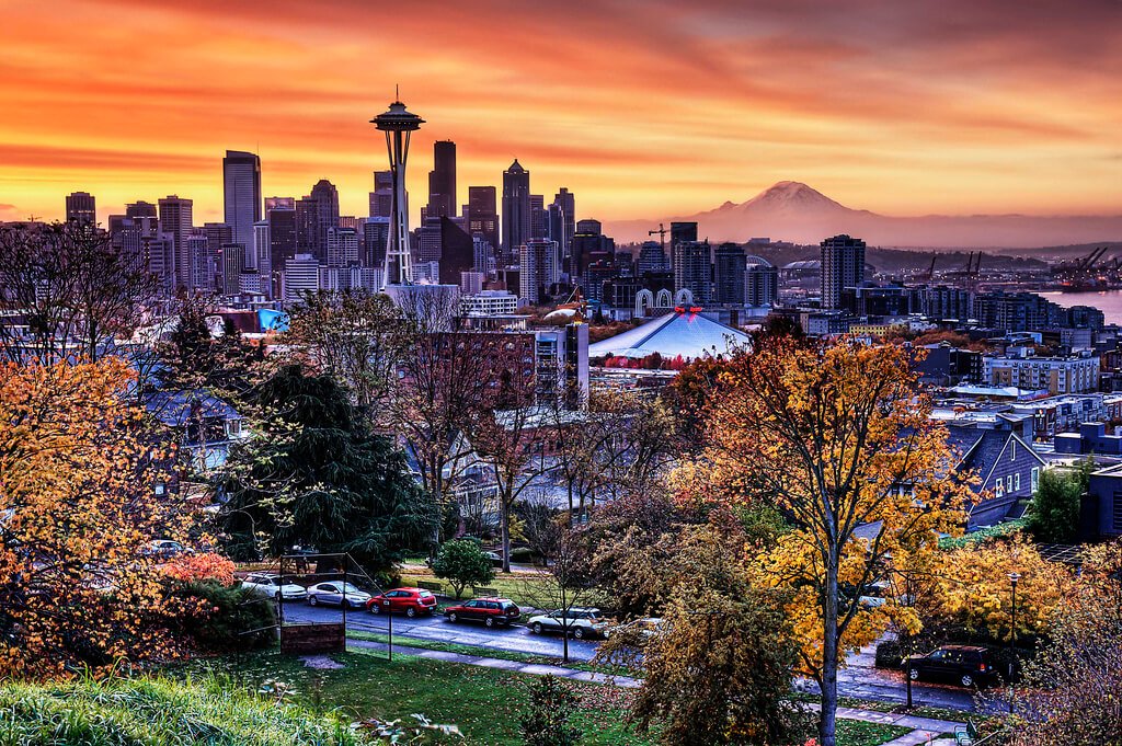 Autumn in Lower Queen Anne, Seattle, Washington - Photo by Stephen Kacirek