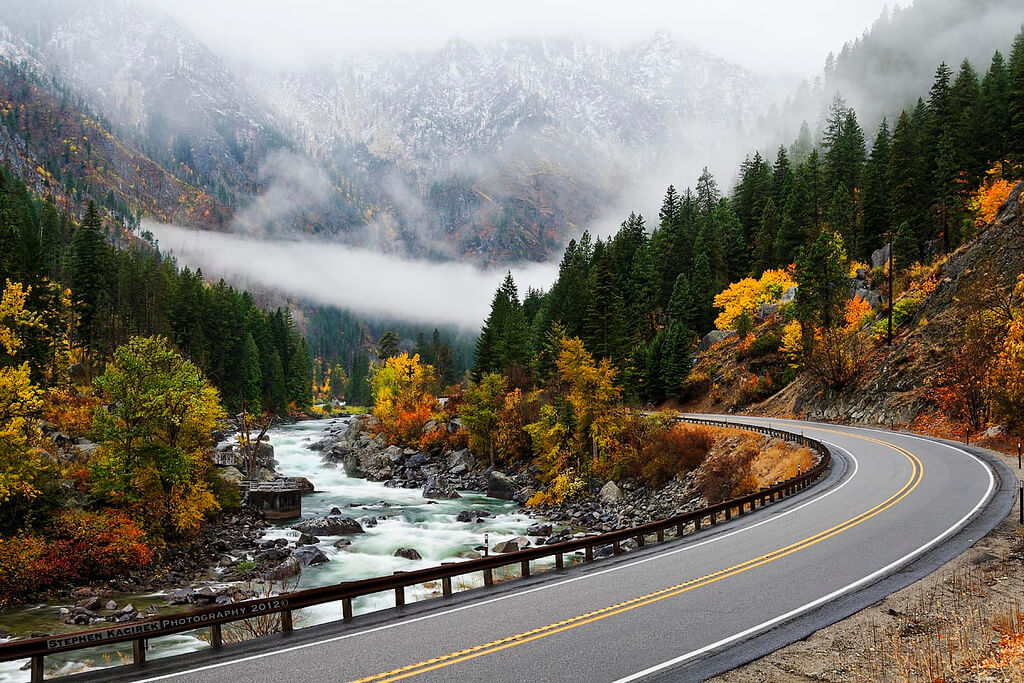 Autumnal road to Leavenworth, Washington - Photo by Stephen Kacirek