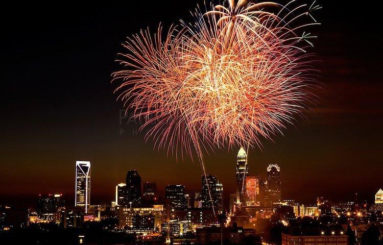 cdn.c.photoshelter.com/img-get/I0000BZBTpD5zLrg/s/750/750/Fireworks-022.jpg