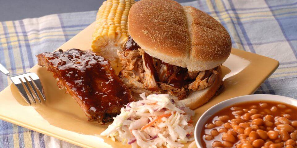 peterpauper.com/blog/wp-content/uploads/2013/08/Pulled-Pork-Sandwich.jpg
