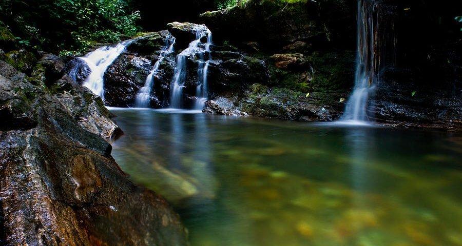 s3.amazonaws.com/vestigo-app/pictures/images/000/000/171/original/skinny-dip-falls-will-candler.jpg?1450961617