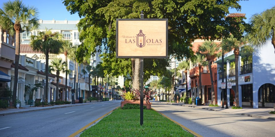 Las Olas Bouledvard is a popular shopping district in Fort Lauderdale, Florida. It is often featured as one of the best things to do in Fort Lauderdale.