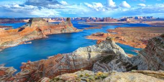 Everyone Has to Check Out This Magical Lake in Arizona Before They Die