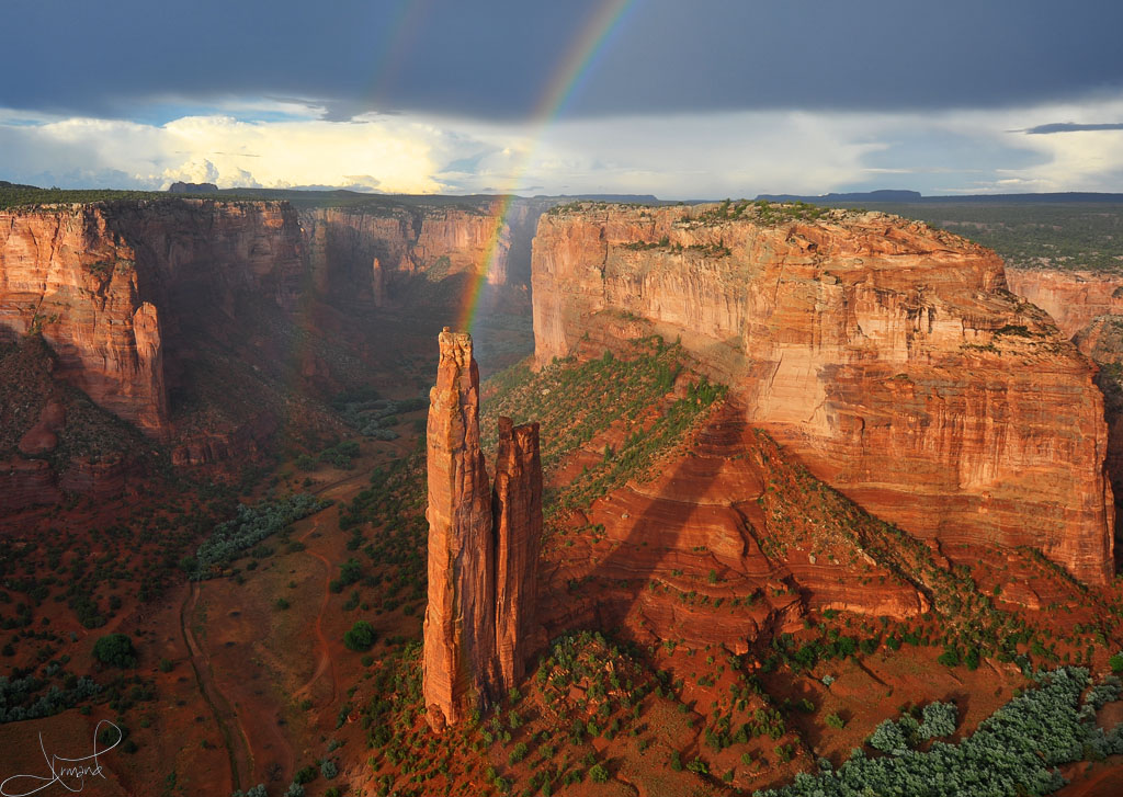 Canyon de Chelly is one of the national parks in Arizona still open during the coronavirus.