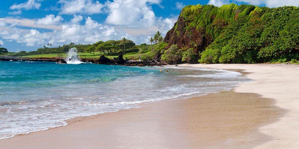 hamoa beach maui hawaii