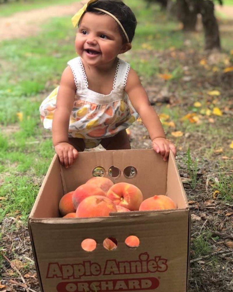Apple Annie's Apples Peaches Arizona