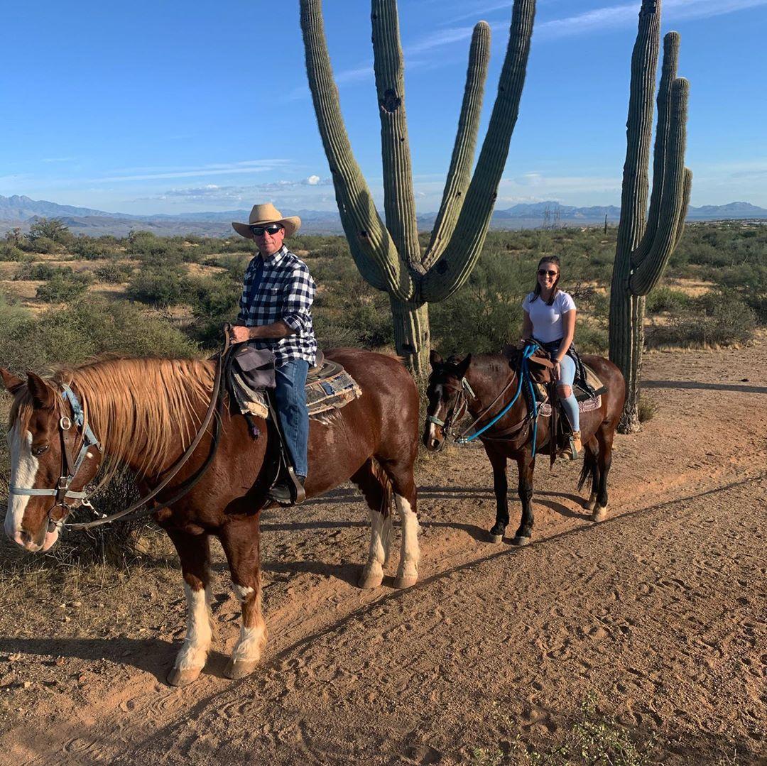Horseback ride in Phoenix trail ride