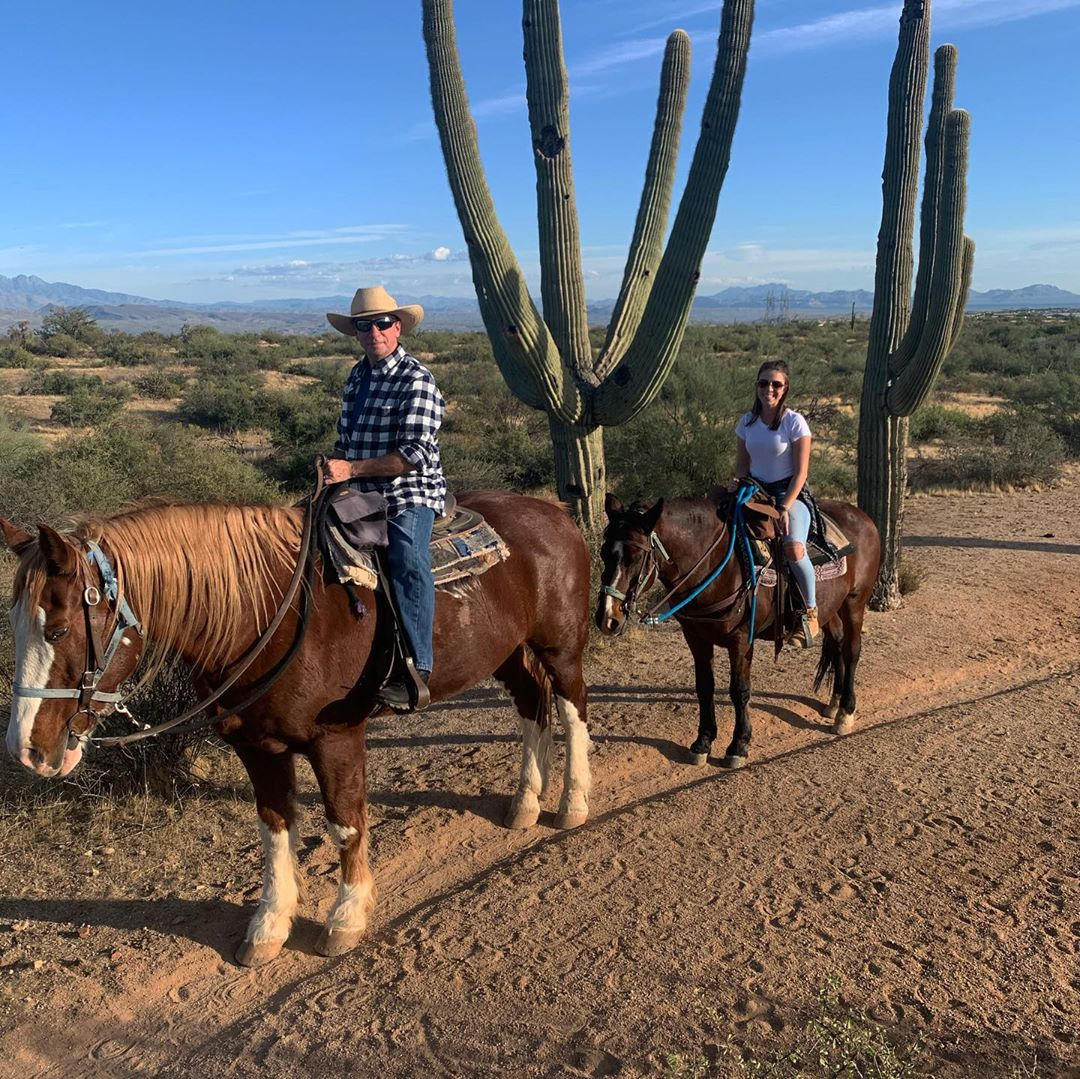 Horseback ride in Phoenix trail ride