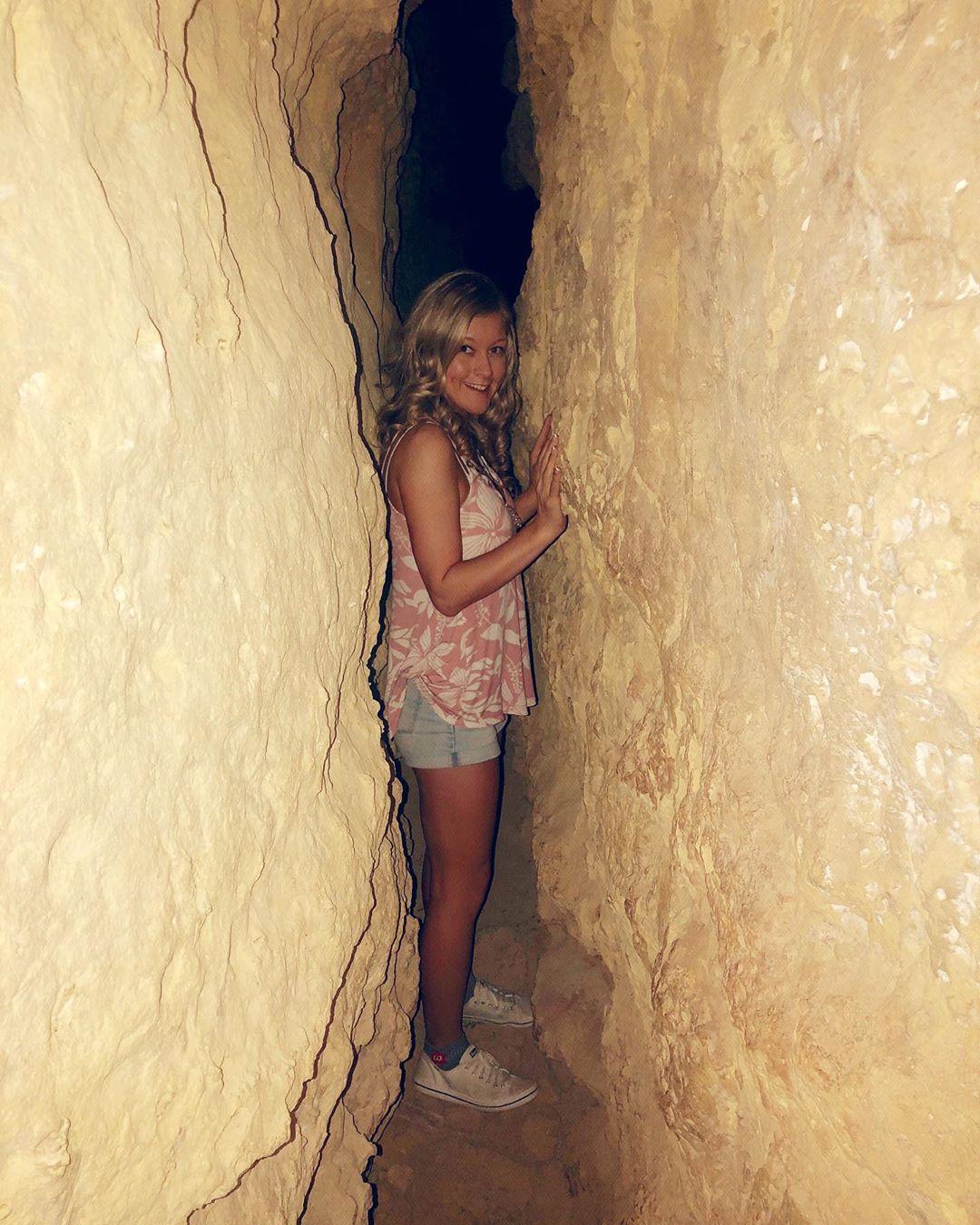 Apache Death Cave az