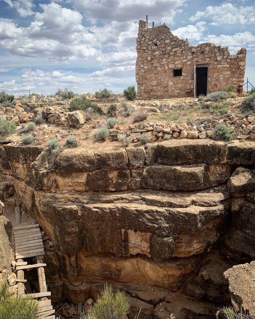 Apache Death Cave az two guns