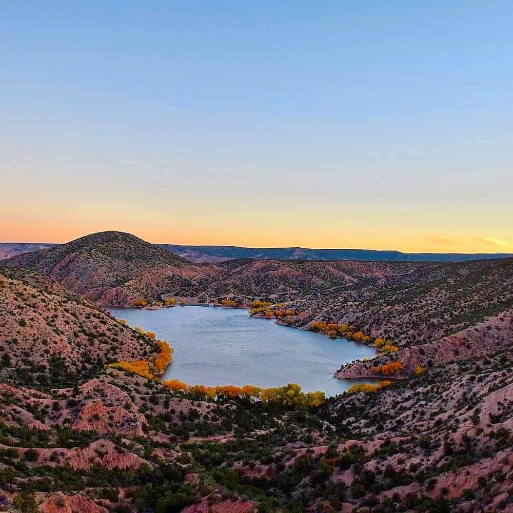 Santa Cruz Lake nature spots in New Mexico