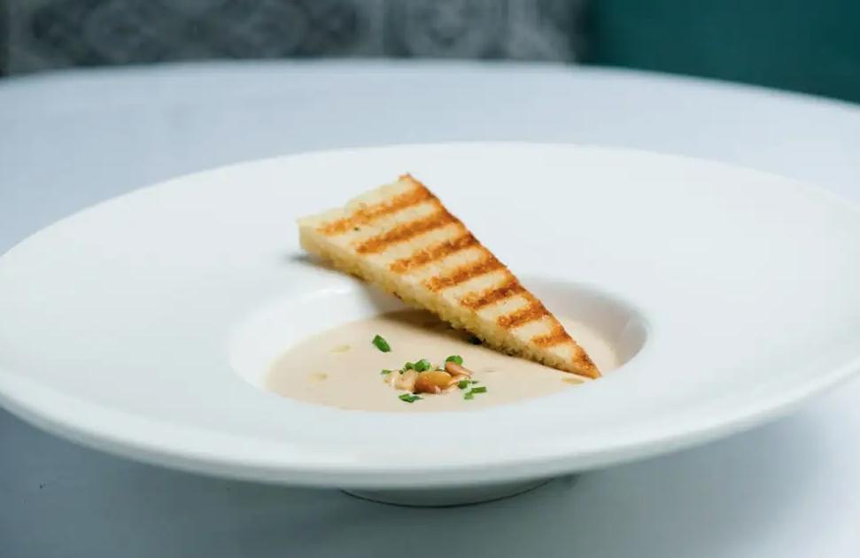 Roasted Cauliflower Soup dish