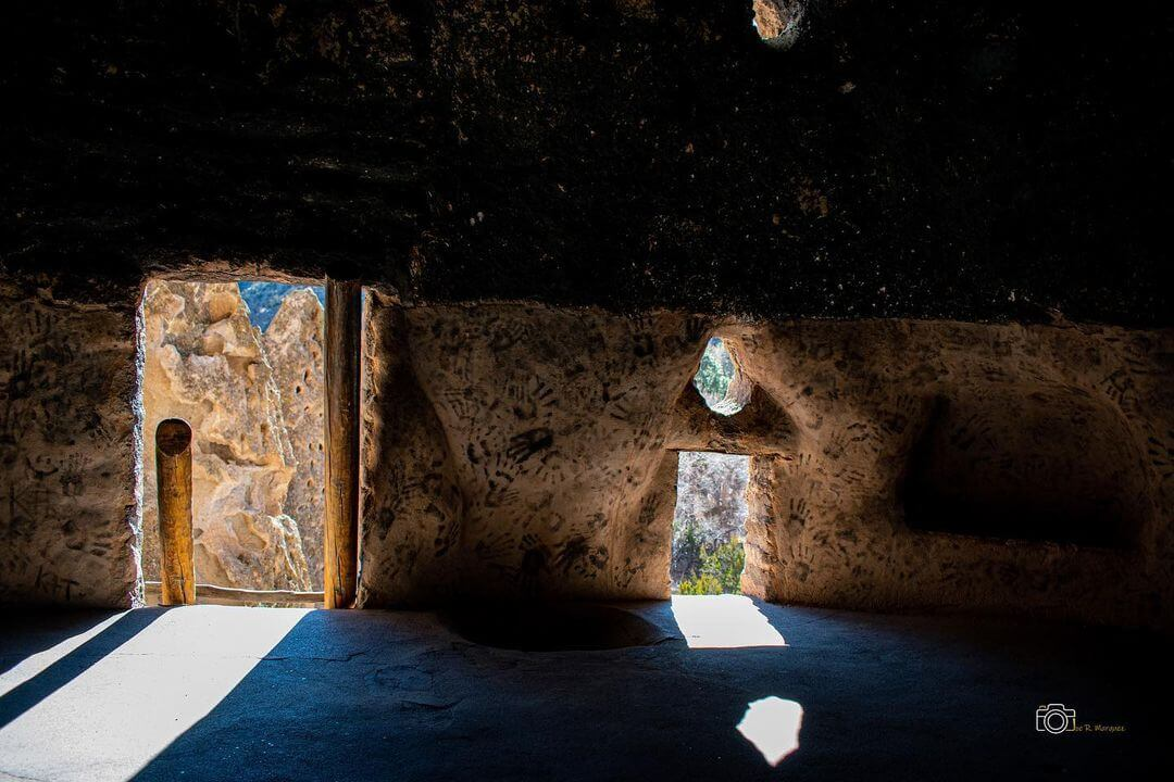 Ancestral Puebloan house