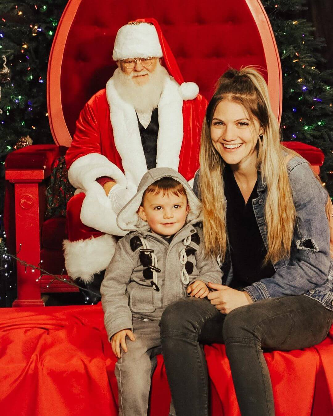 Schnepf Farms Santa photo op