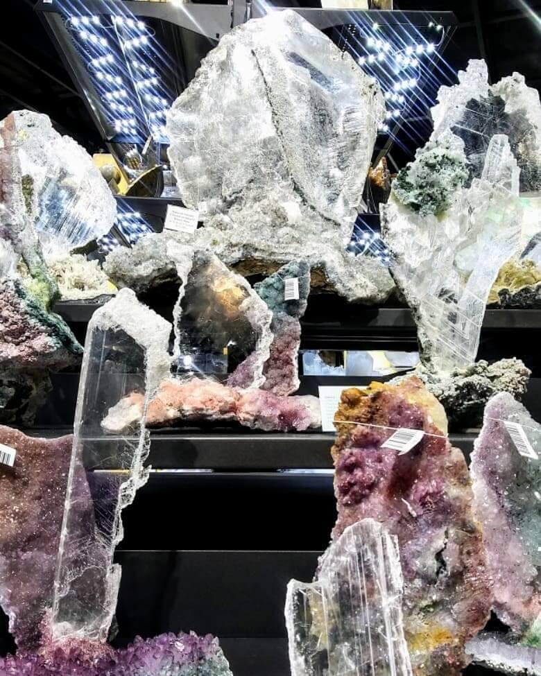 Selenite minerals